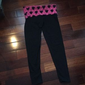 PINK cropped leggings with pink lace